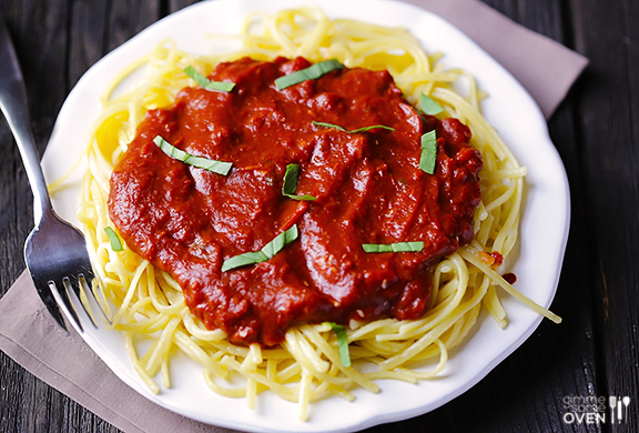 File:Pasta-with-Dark-Chocolate-Marinara-Sauce-1.jpg