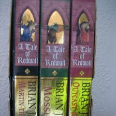 <i>Redwall Gift Set</i>, Side View