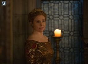 Reign Episode 201 15 The Darkness Promotional Photos (3) 595 slogo