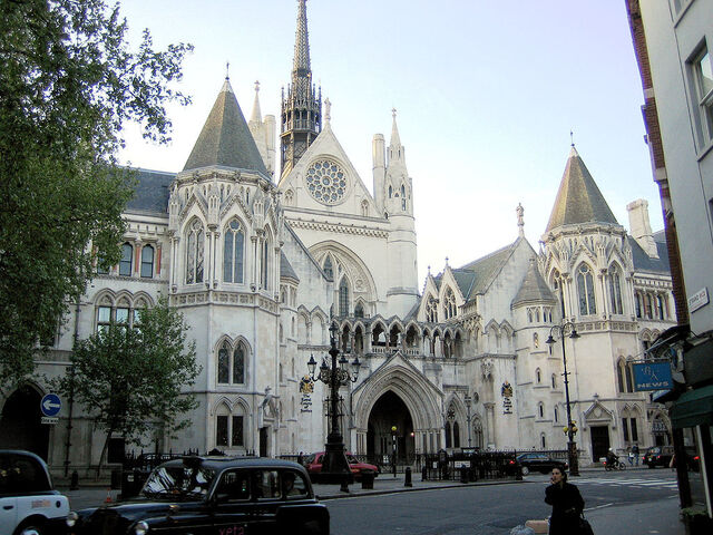 File:1024px-Royal courts of justice.jpg