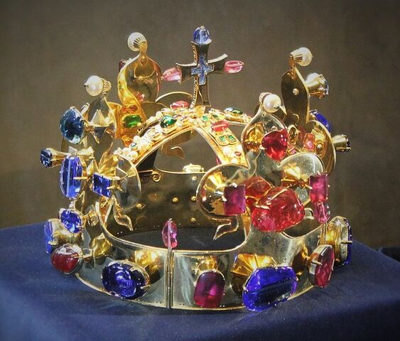 File:Crown of St. Wenceslas.jpg