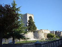 File:Castello di Monte San Giovanni Campano 9.JPG