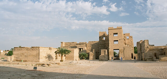 File:Luxor, Medinet Habu, Egypt, Oct 2004 A.jpg