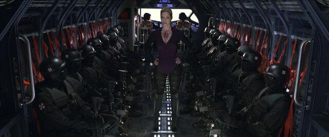 File:Sienna-guillory-resident-evil-afterlife-2010-05.jpg