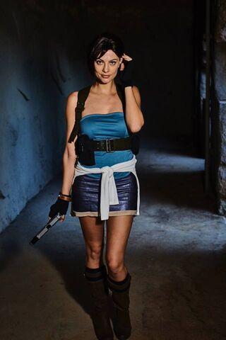 File:Julia Voth as Jill Valentine 31.jpg