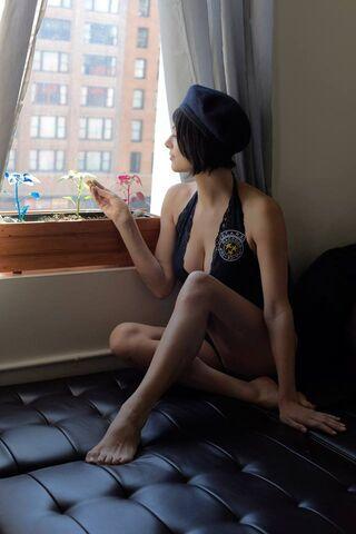 File:Julia Voth as Jill Valentine 39.jpg