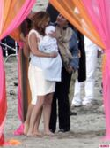 Revenges-Emily-VanCamp-Gabriel-Mann-and-Nick-Wechsler-Shoot-Seaside-White-Wedding-3-435x580