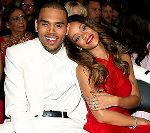 Rihanna-chris-brown-grammys-2013
