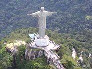 Christ-the-redeemer-statue-landmark-1