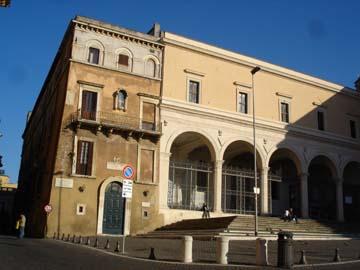 File:San Pietro in Vincoli.jpg