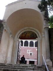 2011 Saba entrance
