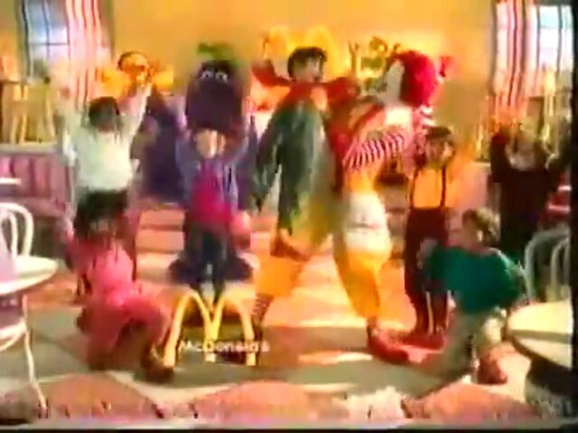 File:Ronald McDonald & Friends 11.jpg