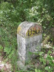 D906 - Borne Km 16.JPG