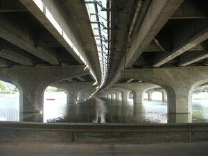 Pont sur Le Cher-A10.jpg
