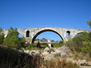 Via Domitia - Pont Julien.jpg