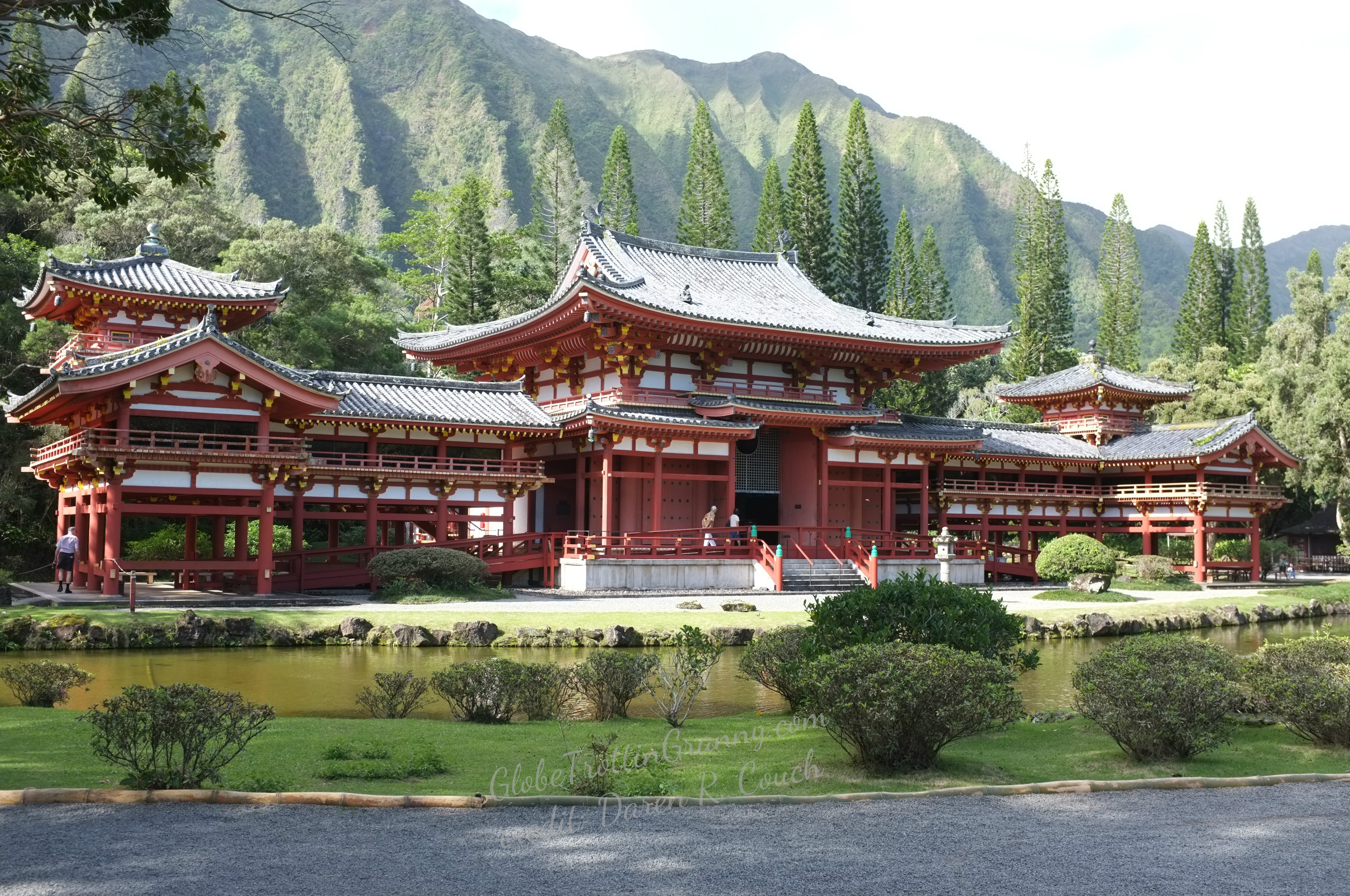 analysis of where does the temple Buddha poses if you know what to look for,  many of the largest buddha statues in japan, such as the great kamakura buddha statue at kotokuin temple,.