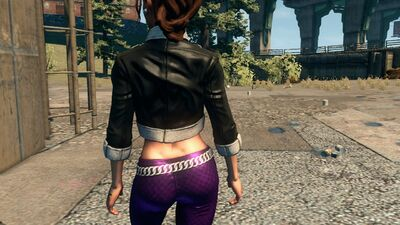 Shaundi in Saints Row The Third showing lower back tattoo removed