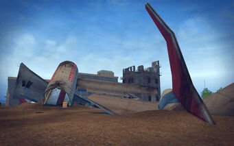 Wardill Airport in Saints Row 2 - airplane wreckage