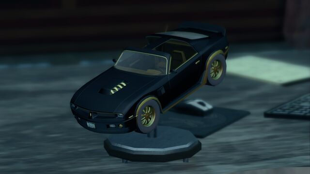 File:Phoenix model on Burt Reynolds desk.jpg