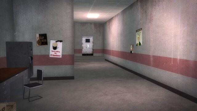 File:Brown Baggers Rebadeaux interior rear hallway.jpg