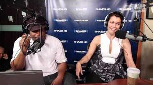 "Bellamy Young Talks Columbus Short Leaving, Why She's Single, & Her Character ""Mellie"""