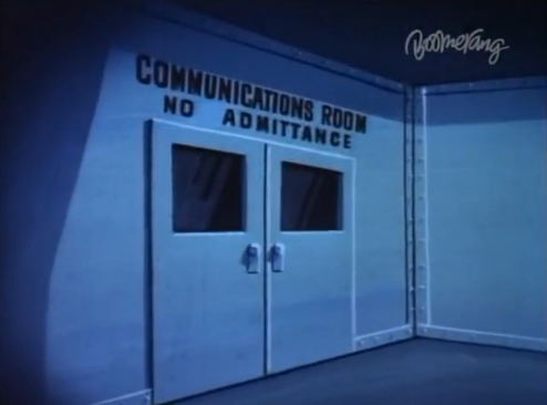 File:S.S. Tahitian Star Communications room.png