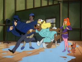 Phantom of the Soaps kidnaps Scoobsie