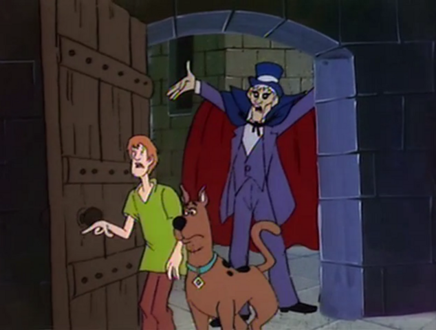 File:Night Ghoul behind Shaggy and Scooby.png