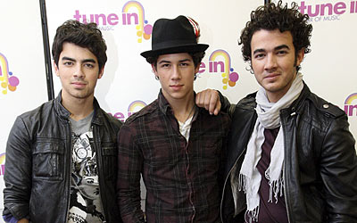 File:The jonas brothers.jpg
