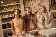 ScreamQueens-Still-5