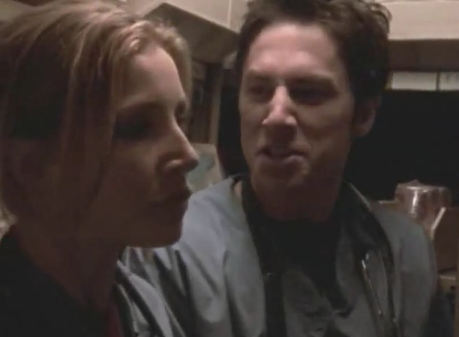 File:1x01 Elliot and J.D. in closet.png