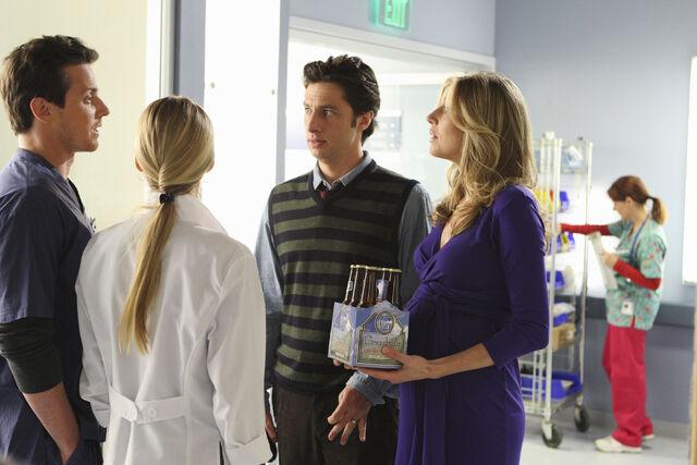 File:9x9 JD Elliot talk to Drew and Denise.jpg