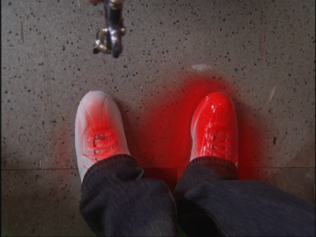File:5x7 red shoes.png