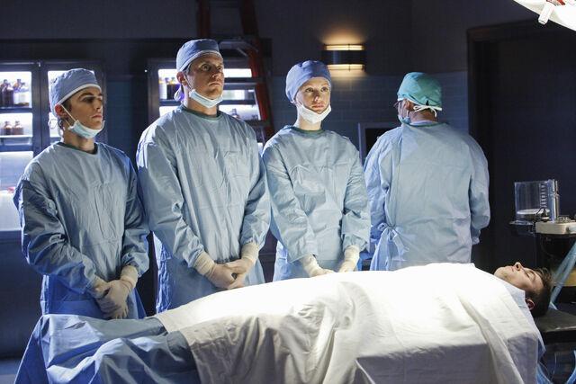 File:9x9 Trio in surgery.jpg