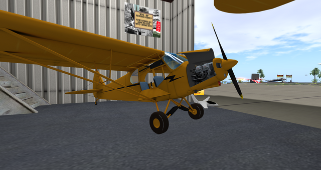 File:PA-18 Super Cub (Laminar) on display without floats.png