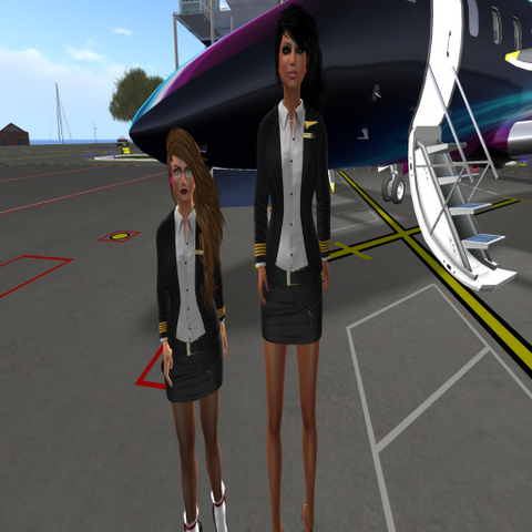 File:Steph und Babsi - White Star Airfield-02.png