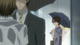 Chiaki sees Hatori and Yuu talking in the rain