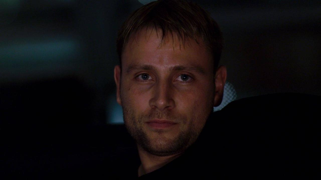 Wolfgang Bogdanow, es un ladrón de cajas fuertes de Berlín, Alemania. Él tiene asuntos pendientes con su padre y la mafia.