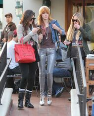 Bella Thorne Lunch18
