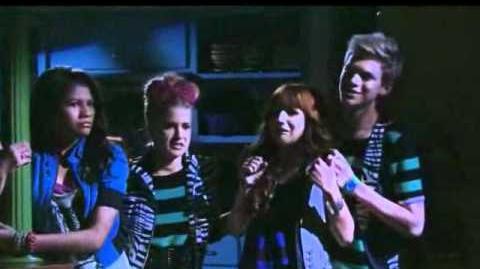 Gece Music Video 11