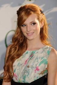 Bella-thorne-red-carpet-