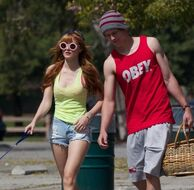 Bella-thorne-with-boyfriend-walking-together