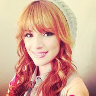 Bella-thorne-blueeyelinner-hat