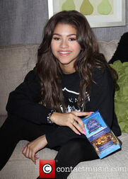 Zendaya-coleman-With-truffles