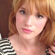 Bella-thorne-striped-top