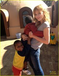Bella-thorne-in-africa-(3)