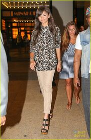 Zendaya-coleman-leopard--print-top-pretty-hair