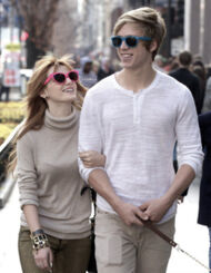 Bella-thorne-pink-sunglasses
