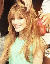 Bella-thorne-having-hair-done
