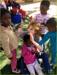 Bella-thorne-in-africa-(5)